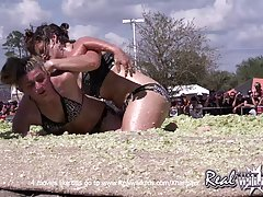 Girls Coleslaw Wrestling