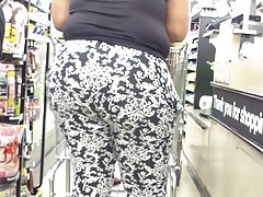 Jiggly Country Ass At Dollar Store.