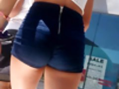 LURKING TEEN ASSES 03