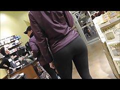 Nice spandex ass!