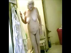 Great ! Spying my hot granny in bathroom