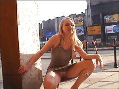 Anna - public flashing