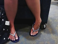 Candid College Girl Sexy Feet and Legs in Flip Flops