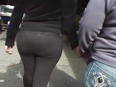 Culazo de chica con Pantalon embarrado de semen