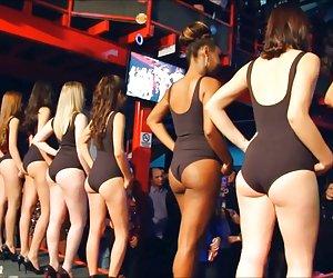 Beautiful swimsuit girls !