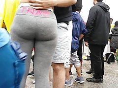 Big pawg booty grey pants shaking it hard!!