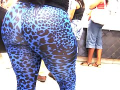 OMG huge latina ass in designer leggings