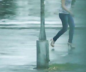 Girls walking down the Street - Legs, Ass and Heels